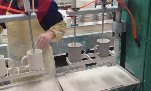 Auto-glazing-machine-for-cup-and-bowl-2