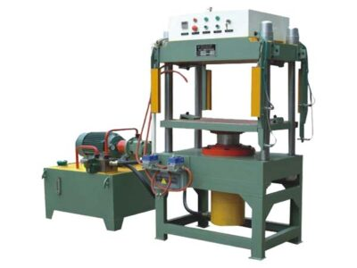 Compression-molding-machine